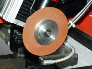 Kerbschleif- und Sprenganlage für Gleitlagerringe-2