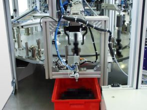 Montageanlage für Kupplungsnehmerzylinder-1