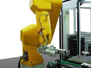 Teilehandling Maschinenbestückung Roboter-1