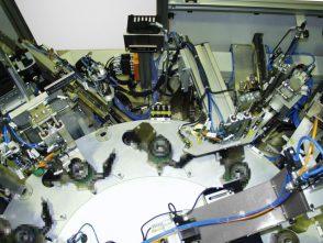 Montage- und Prüfanlage für Kupplungsausrücker-2