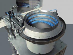 Montageanlage für Verbindungsclips-2